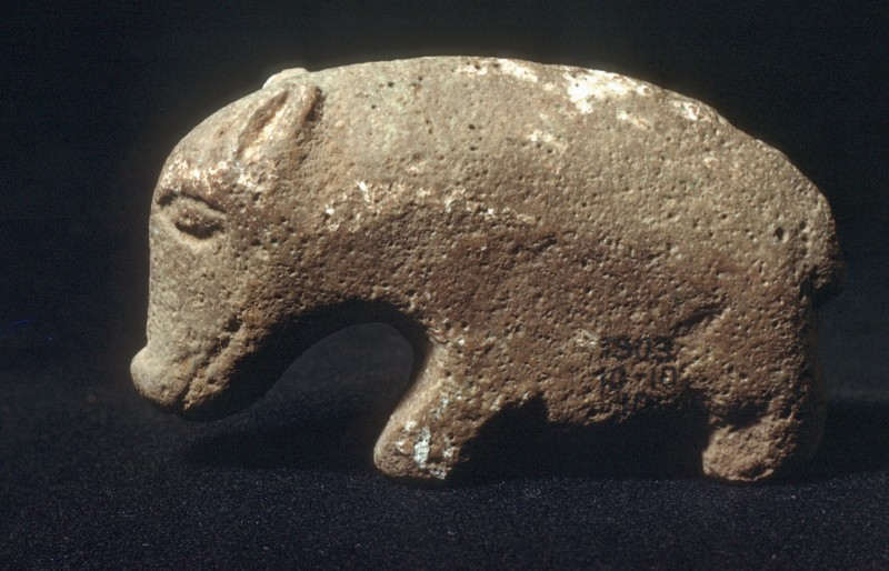 Schwein (?), glasierte Keramik, H. 9, 5 cm, el-Amra