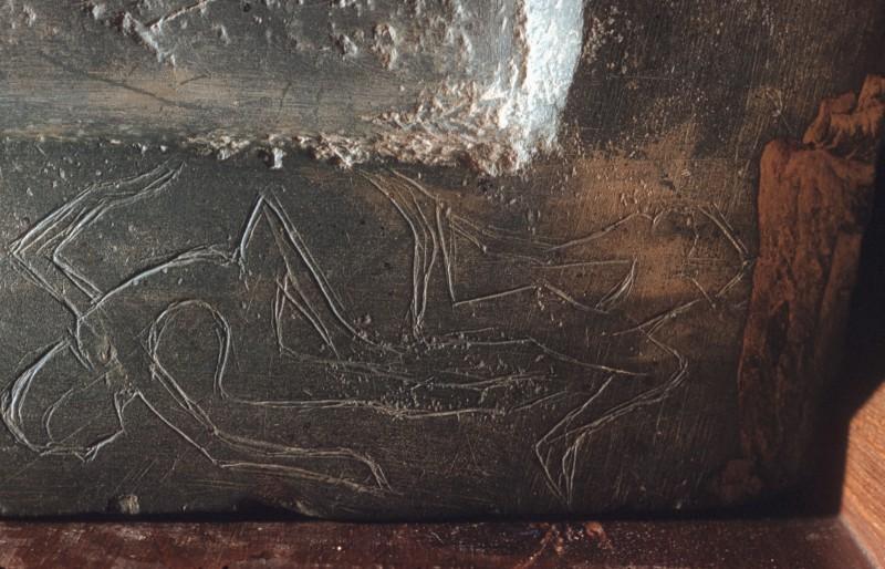 Ritzzeichnungen auf der linken Seite des Sockels, Anschl. an 01 151