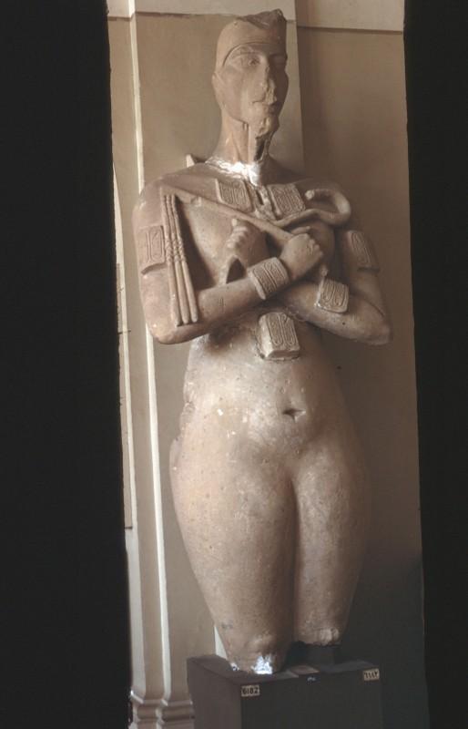 Osirispfeiler der Nofretete oder des Echnaton, Kalkstein, doppelt lebensgroß