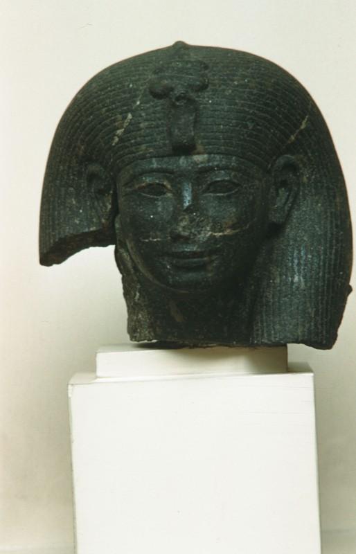 Kopf der Hatschepsut (?), Granit, lebensgroß